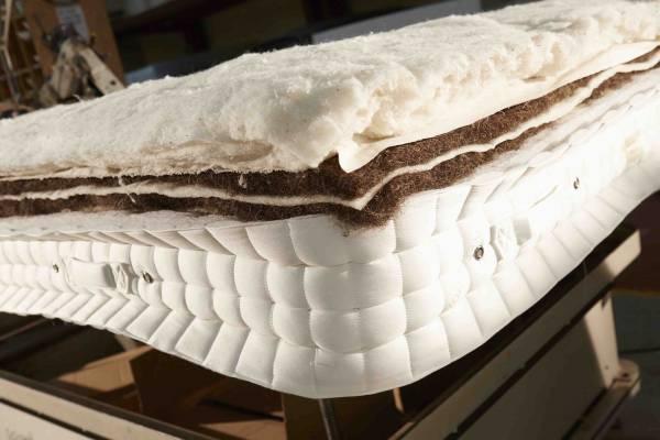 Mattress horse tail stuffing