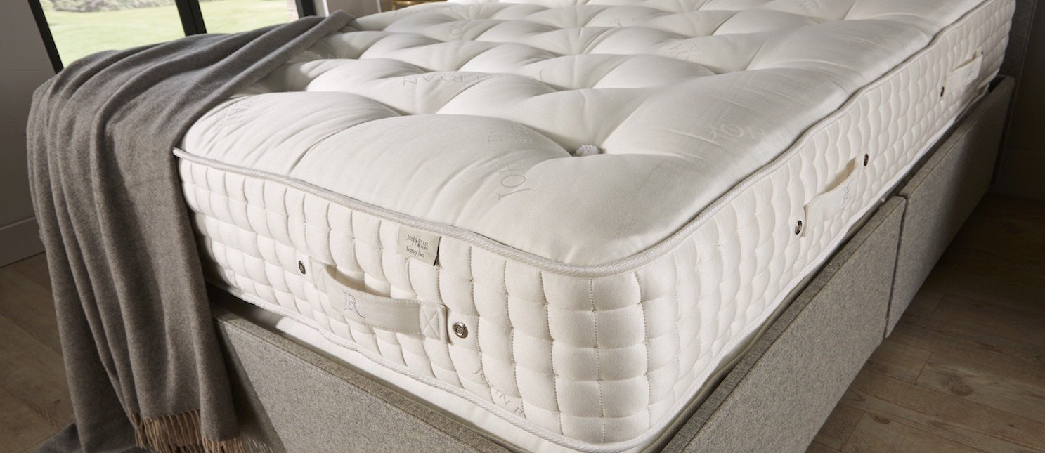 Handmade tufted mattress