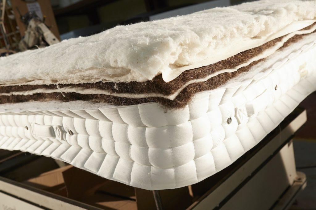 Layers of natural mattress fibres